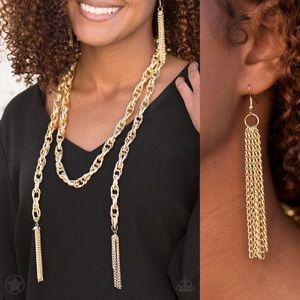 ❤️Scarfed for Attention - Gold Necklace Set